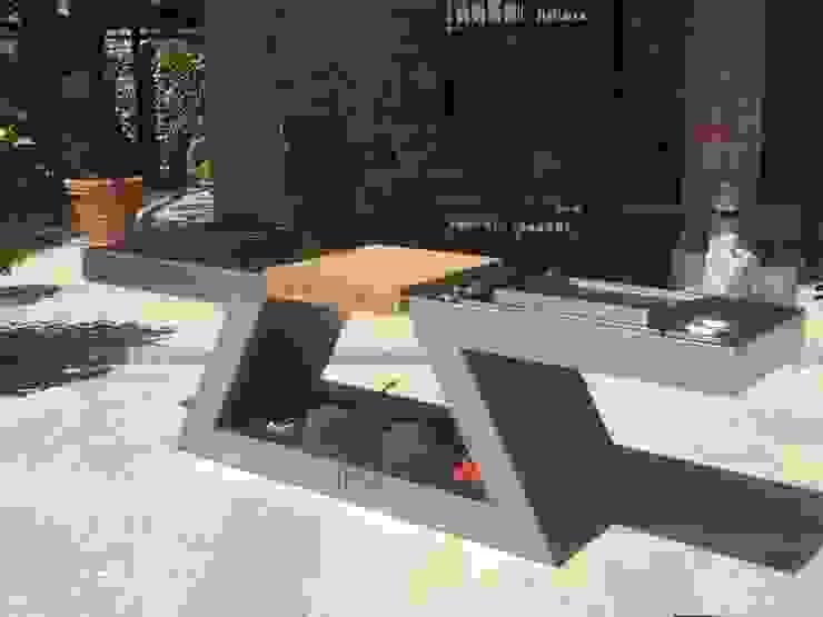 ZED EXPERIENCE relax in piscina: Piscina in stile  di ZED EXPERIENCE - indoor & outdoor kitchen