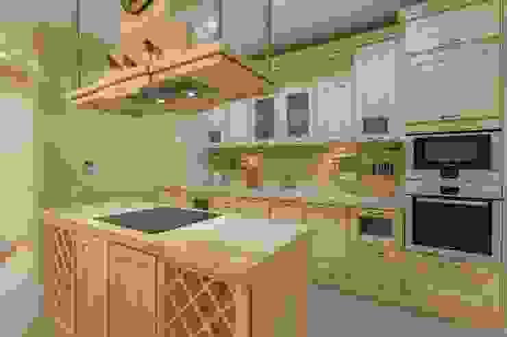 Bellarte interior studio Mediterranean style kitchen