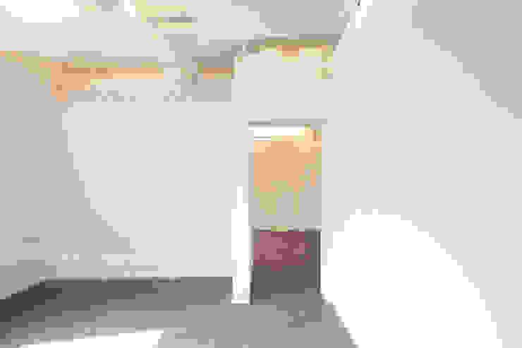 Ruang Studi/Kantor Minimalis Oleh 잉글랜드버틀러 Minimalis