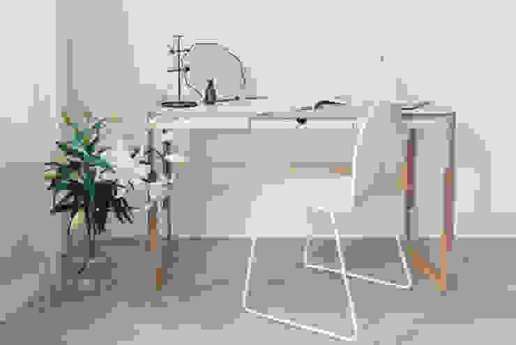 minimalist  by FAM FARA, Minimalist Plywood