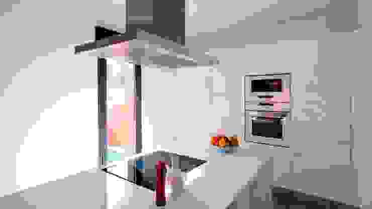 Küche von Casas inHAUS, Minimalistisch