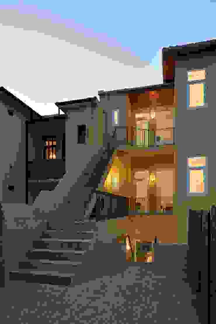Casa na Avenida Fernão de Magalhães Casas modernas por Alessandro Pepe Arquitecto Moderno Aglomerado