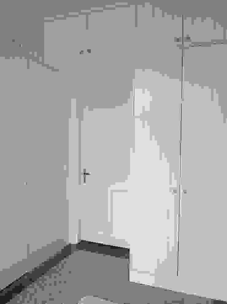 Neugestaltung Villa Hamburg SIMONE JÜSCHKE INNEN|ARCHITEKTUR Klassische Ankleidezimmer