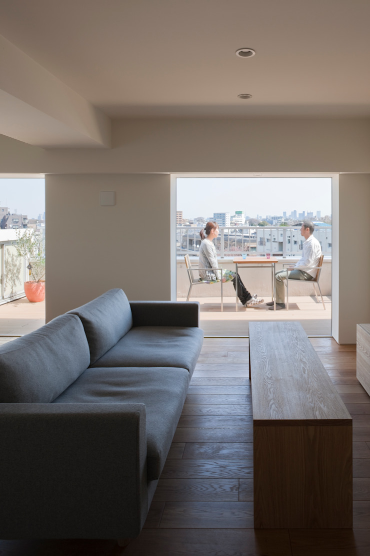 本城洋一建築設計事務所 Patios & Decks Solid Wood Wood effect