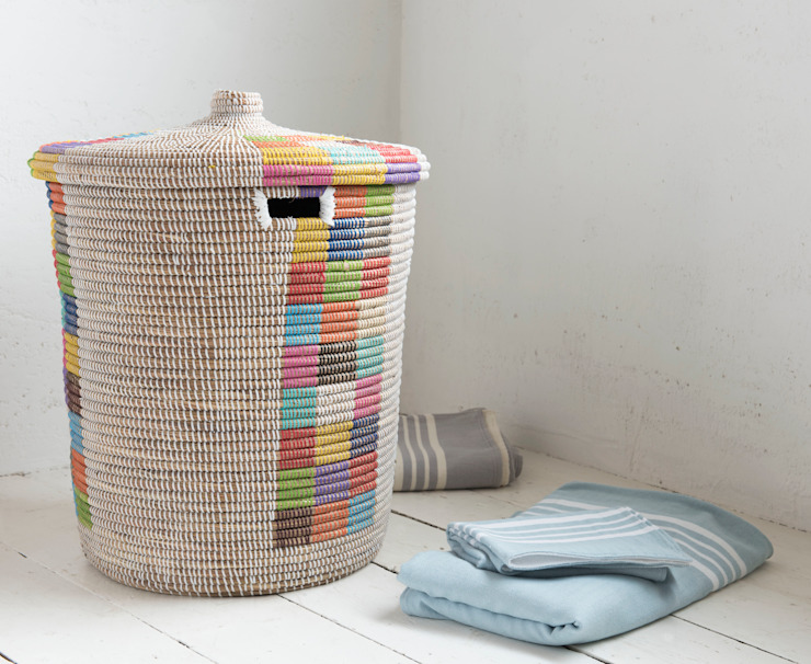 Disco laundry basket de homify Rural
