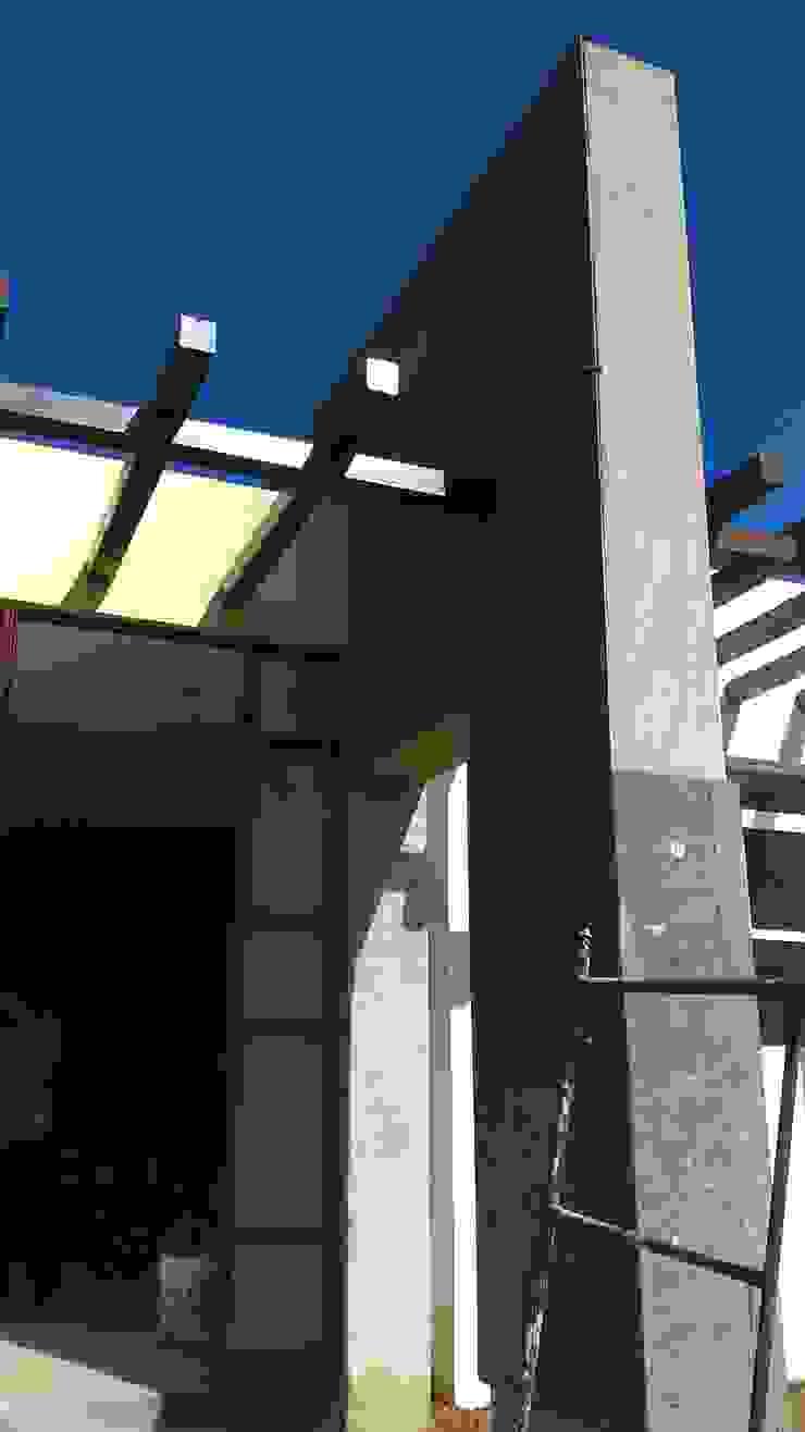 ELEMNTO REGENTE Casas modernas de GNG ARQUITECTURA Y DISEÑO Moderno Caliza