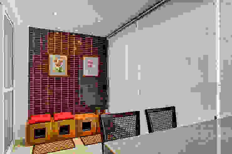 Terrazas de estilo  por Eveline Maciel - Arquitetura e Interiores