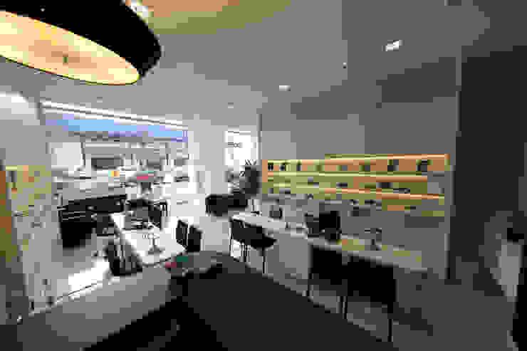 Ótica Via Visão Lojas e Espaços comerciais modernos por Cecyn Arquitetura + Design Moderno Betão