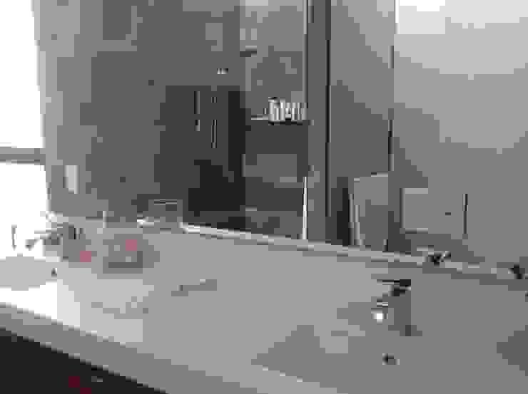 Residencia CB675 Baños modernos de Domótica y Automatización Integral Moderno