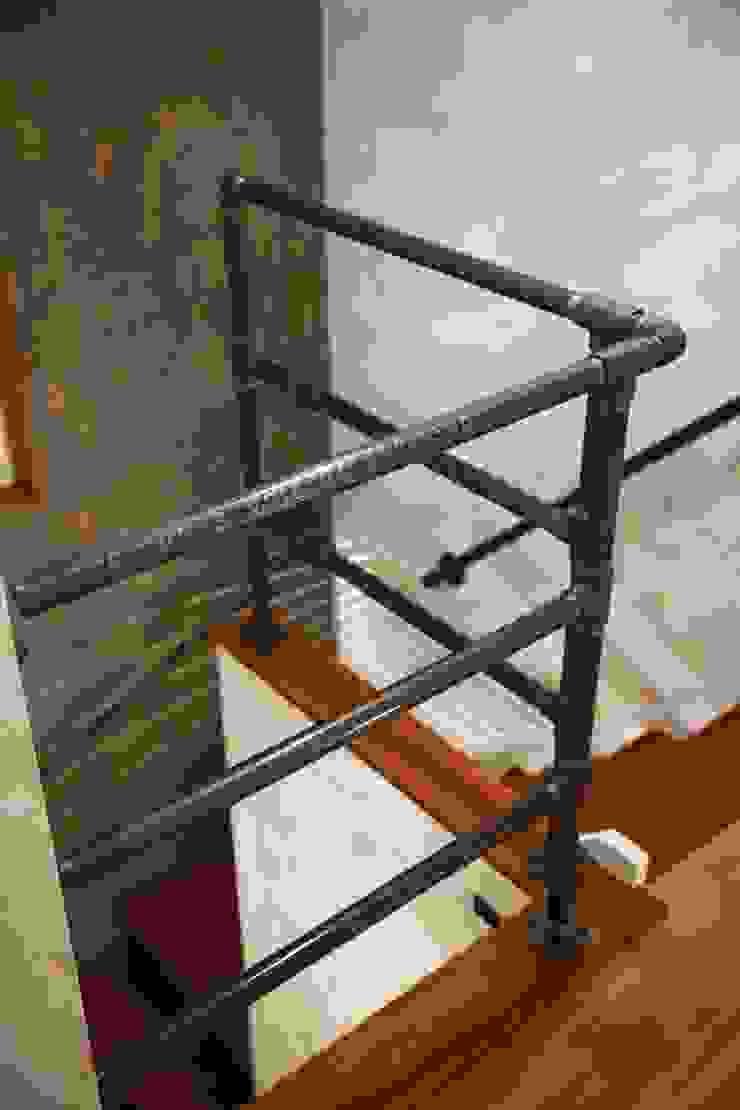 Hành lang, sảnh & cầu thang phong cách công nghiệp bởi dwarf Công nghiệp