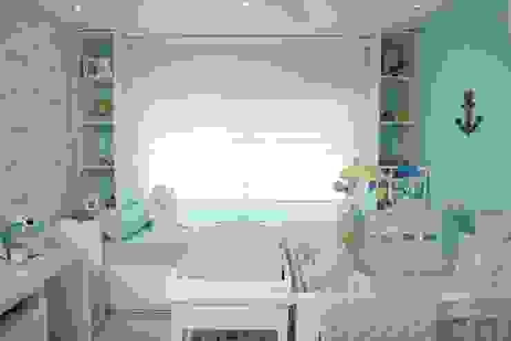 Habitación azul para bebe : Habitaciones infantiles de estilo  por Monica Saravia, Moderno