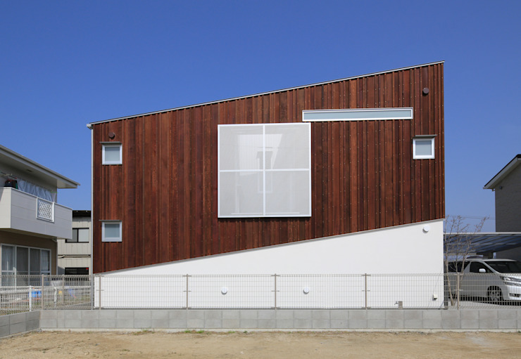 Modern houses by 髙岡建築研究室 Modern