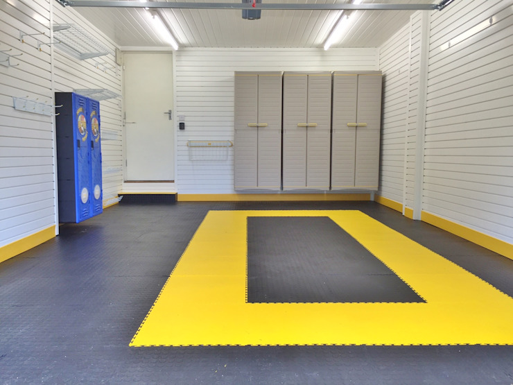 Bright and light with space to store the car - a recent garage makeover by Garageflex Modern garage/shed by Garageflex Modern