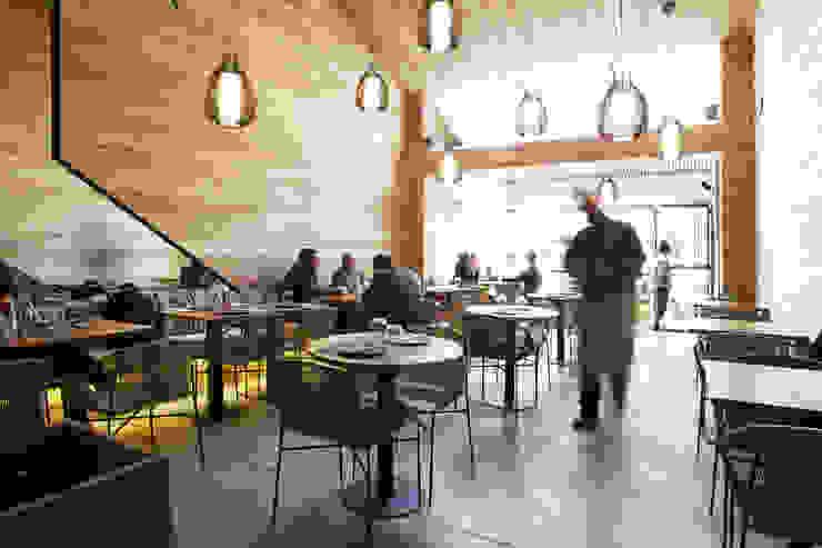 Restaurante Tanit Espaços gastronômicos mediterrâneos por Coletivo de Arquitetos Mediterrâneo