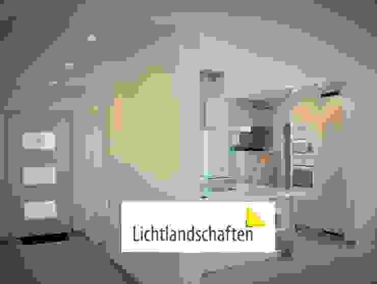 Küche und Flur Moderne Küchen von Lichtlandschaften Modern Metall