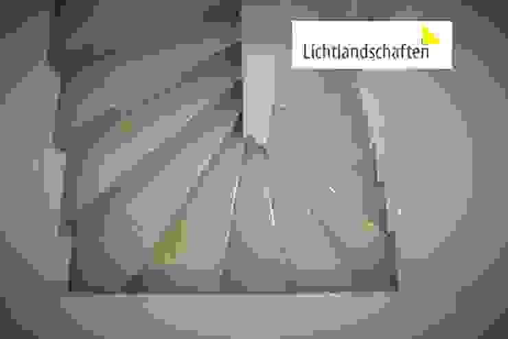 Lichtplanung für Treppe Moderner Flur, Diele & Treppenhaus von Lichtlandschaften Modern Metall