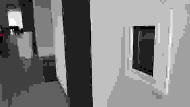 Villa TM Salones modernos de Domótica y Automatización Integral Moderno