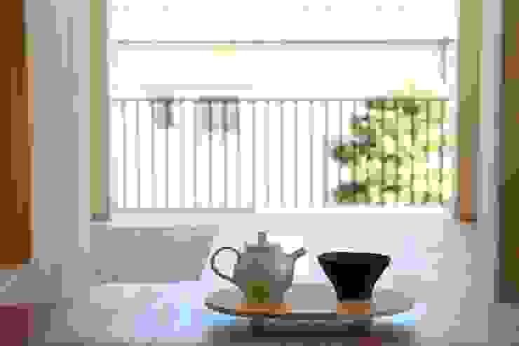 Balkon, Beranda & Teras Gaya Eklektik Oleh Mimasis Design/ミメイシス デザイン Eklektik Kayu Wood effect