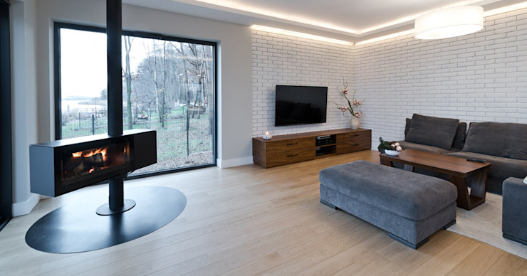 Ruang Keluarga oleh ELM Projekt Studio, Modern