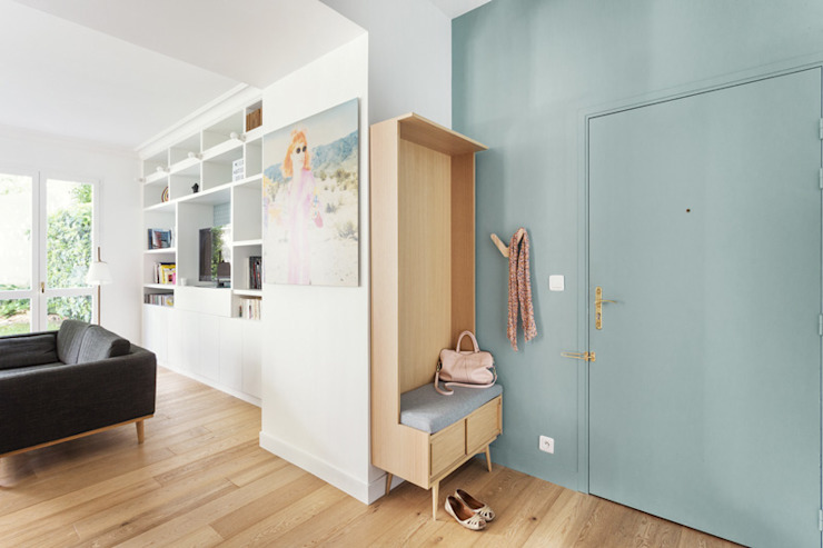 CLAIRE CLERC DECORATION INTERIEURE Scandinavian style corridor, hallway& stairs Wood Green