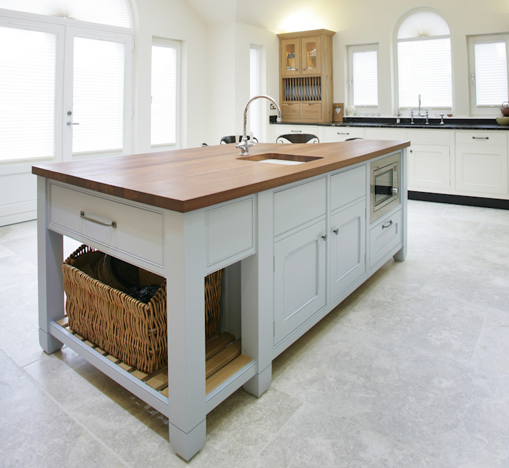 Freestanding Kitchen Sculleries of Stockbridge KitchenBench tops