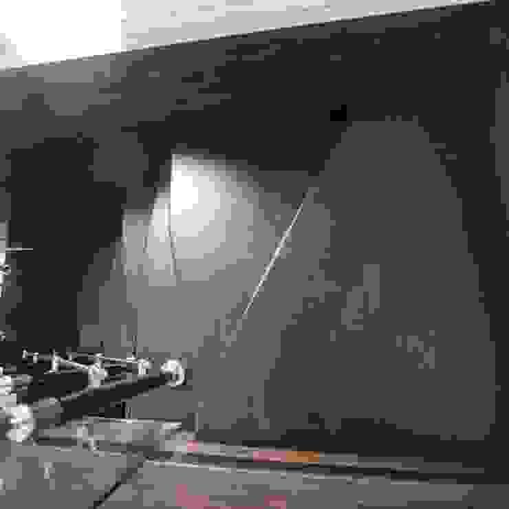 Реконструкция Дачного дома в Пушкино, МО. Minimalist corridor, hallway & stairs by baboshin.com Minimalist