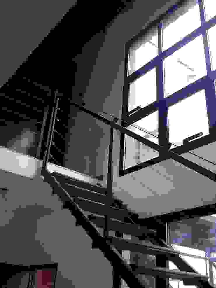 PH MODERNO Estudios y oficinas modernos de laura zilinski arquitecta Moderno Madera Acabado en madera