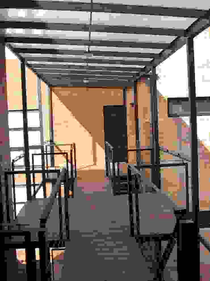 PH MODERNO Balcones y terrazas modernos: Ideas, imágenes y decoración de laura zilinski arquitecta Moderno