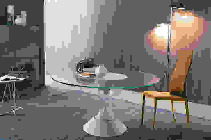 http://intense-mobiliario.com/pt/mesas-de-refeicoes/8400-mesa-lucas.html por Intense mobiliário e interiores; Moderno