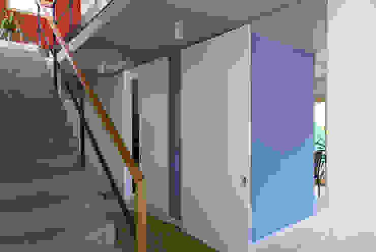 fried.A - Büro für Architektur 現代風玄關、走廊與階梯