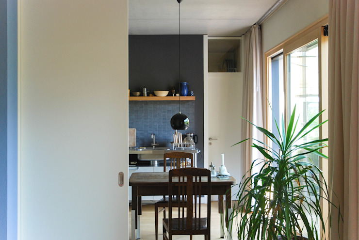 fried.A - Büro für Architektur 現代廚房設計點子、靈感&圖片
