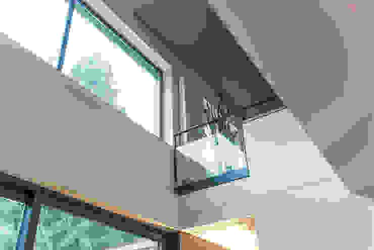 fried.A - Büro für Architektur Modern dining room