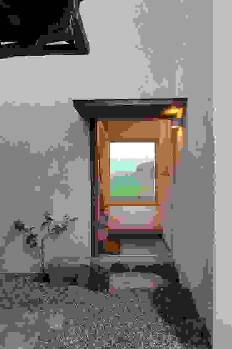 Atelier in Iga オリジナルな 窓&ドア の Mimasis Design/ミメイシス デザイン オリジナル 木 木目調
