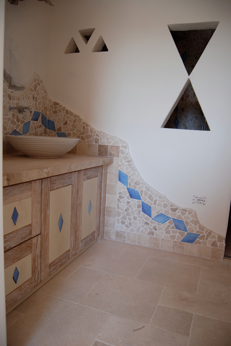 Country style bathroom by ASCARI I FALEGNAMI Country