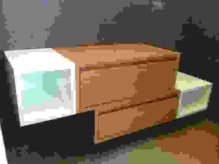 Modern Bathroom by ASCARI I FALEGNAMI Modern