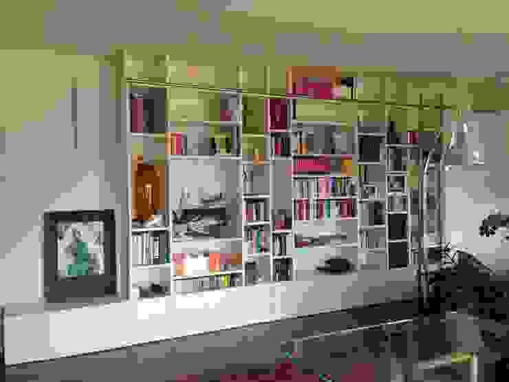 ASCARI I FALEGNAMI Livings de estilo moderno