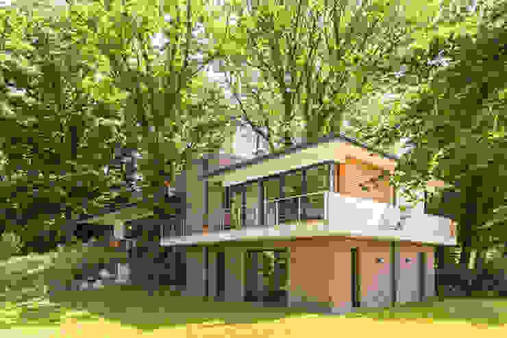 โดย Hellmers P2 | Architektur & Projekte โมเดิร์น อิฐหรือดินเผา