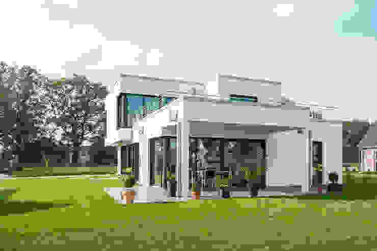 Gartenansicht Minimalistische Häuser von Hellmers P2 | Architektur & Projekte Minimalistisch