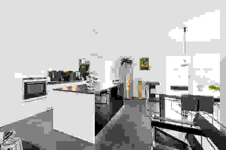 Projekty,  Kuchnia zaprojektowane przez Hellmers P2 | Architektur & Projekte , Nowoczesny