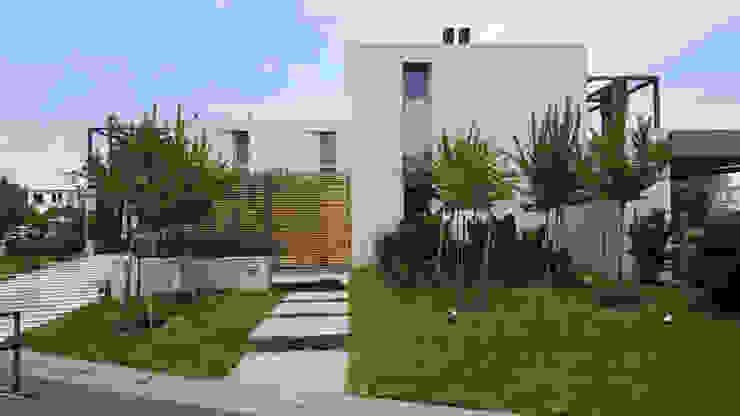 Moderne Häuser von estudio|44 Modern