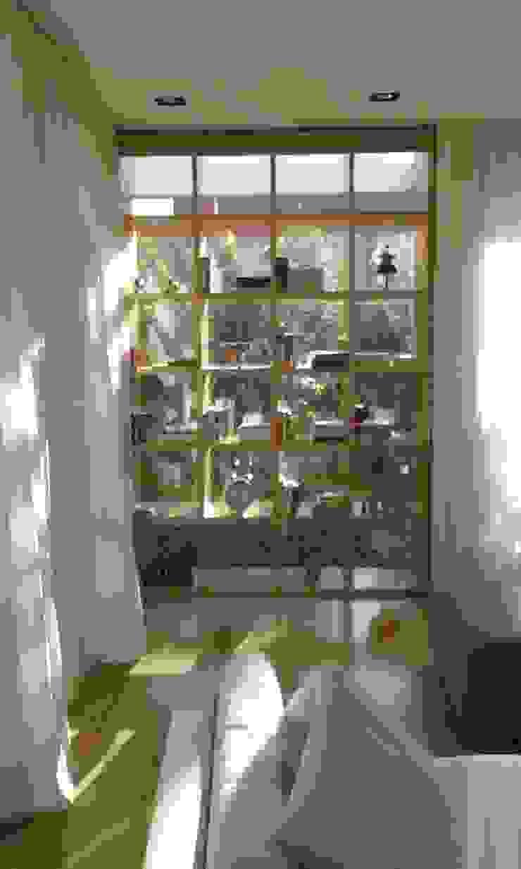 Salas de estar modernas por estudio|44 Moderno Madeira Acabamento em madeira