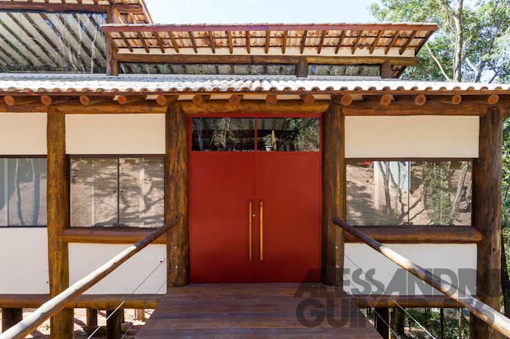 Rustic style house by SCALI & MENDES ARQUITETURA SUSTENTAVEL Rustic