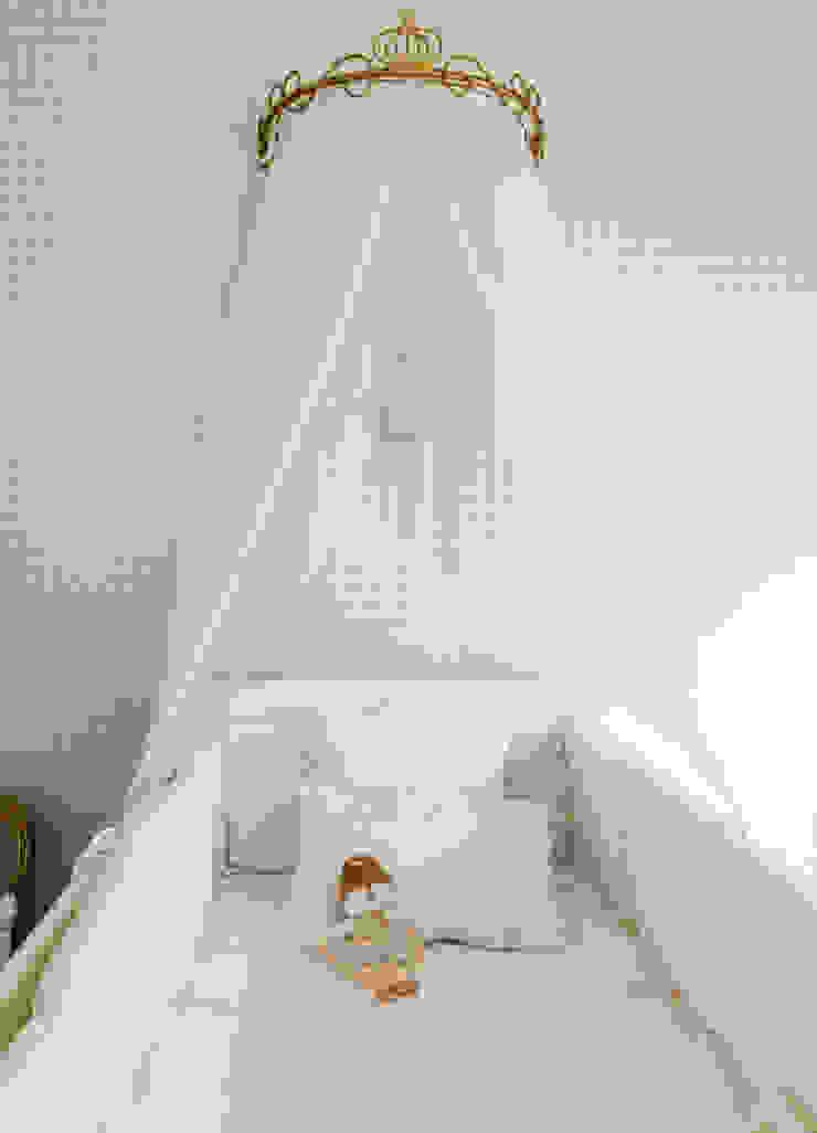 LA STUDIO I ARQUITETURA E INTERIORES 嬰兒/兒童房床具與床鋪 紙 Beige