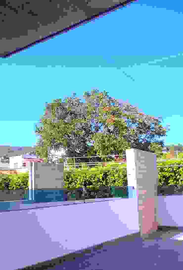 by T+E ARQUITECTOS Minimalist Reinforced concrete