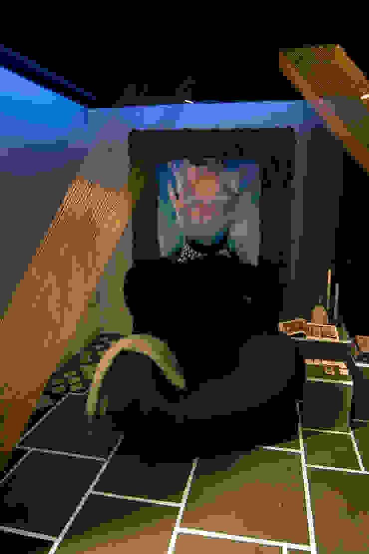 Livings modernos: Ideas, imágenes y decoración de Nimeto Utrecht Moderno