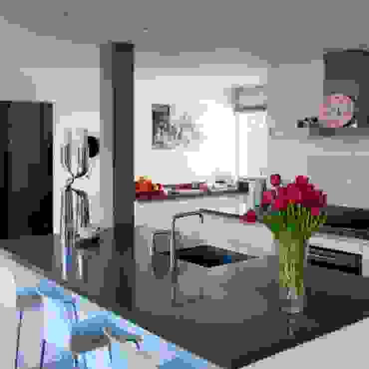 Keuken Moderne keukens van Archstudio Architecten | Villa's en interieur Modern Graniet