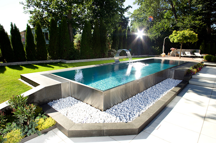 Berndorf Bäderbau Stainless Steel Private Pool (Bavaria, Germany) Piscinas de estilo moderno de London Swimming Pool Company Moderno