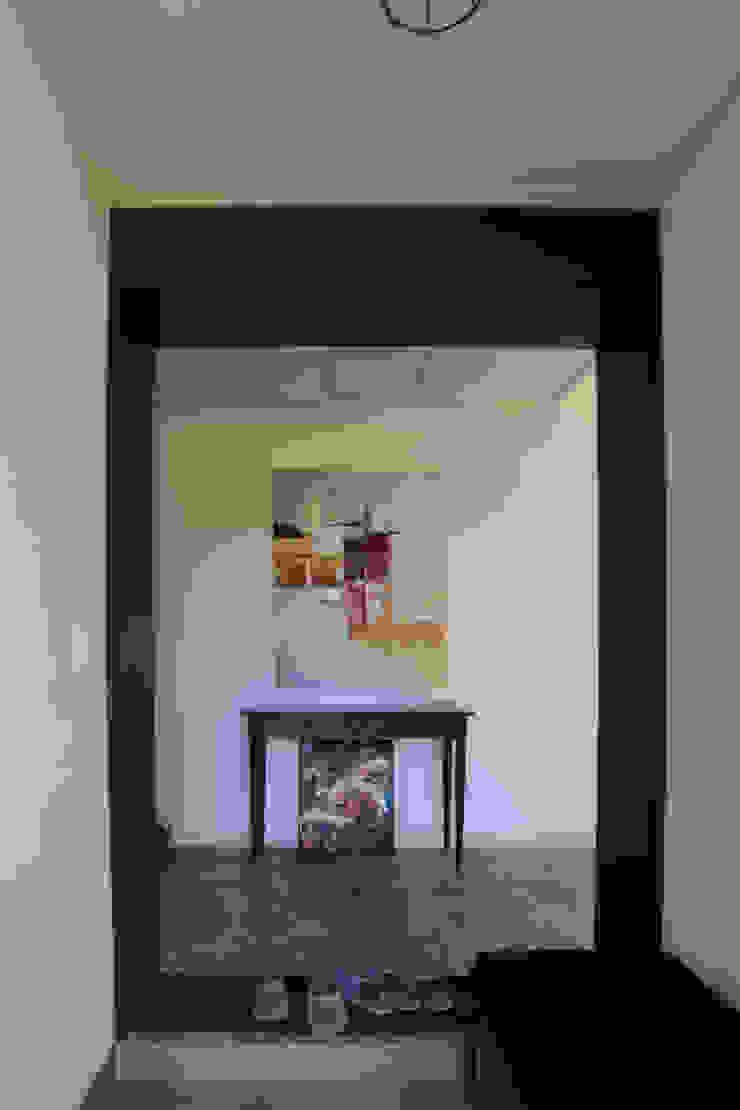 까사봉봉 Hành lang, sảnh & cầu thang phong cách hiện đại bởi 아키제주 건축사사무소 Hiện đại
