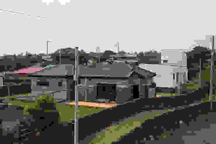 까사봉봉 bởi 아키제주 건축사사무소 Hiện đại