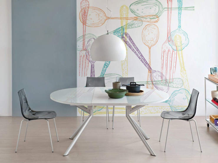 Spoons and forks Minimalist dining room by Pixers Minimalist